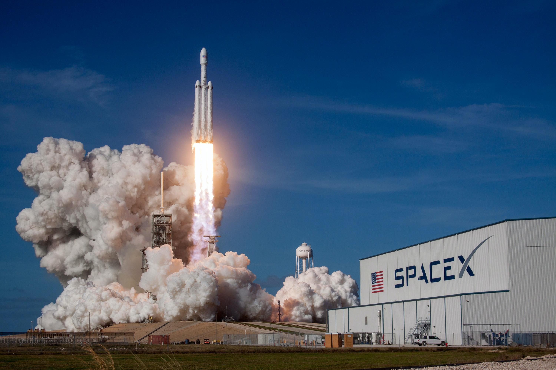 spacex-Ptd-iTdrCJM-unsplash (1)